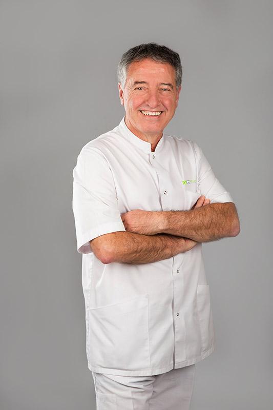 Miquel Castellsgué Piqué - Metge Estomatòleg, Odontòleg i Implantòleg
